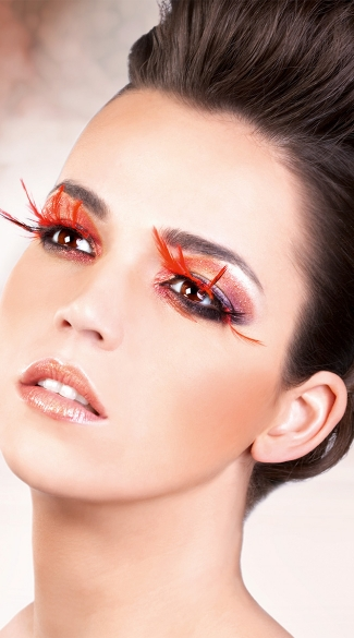 Striking Black and Red Feather Eyelashes