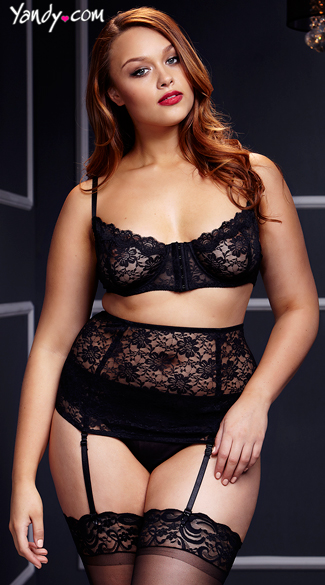 Plus Size Black Lace Bra and Waist Cincher Set with Panty