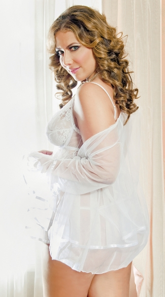 Plus Size Lace Cup Babydoll with Matching Robe Set