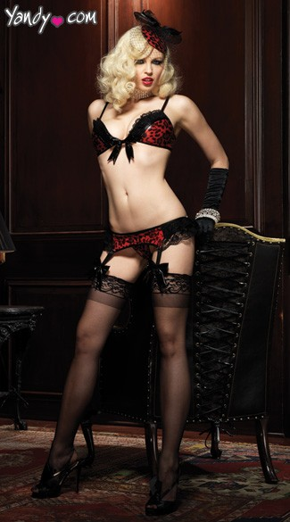 Temptress Bra, Panty and Garterbelt Set