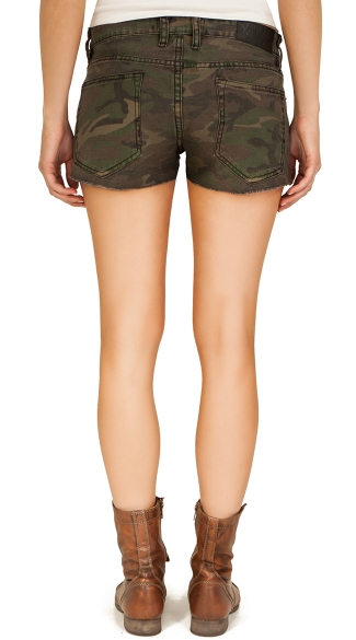 Plus Size Hand Cut Camouflage Shorts