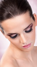 Eye Catching Black Deluxe Eyelashes