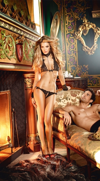 Bra, Panty, Collar and Cuffs Lingerie Set, Sexy S&M Lingerie Set
