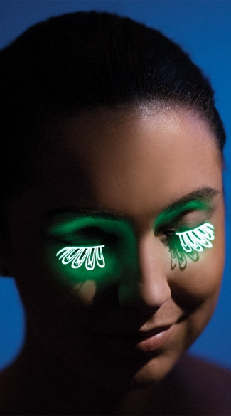 Glow In The Dark Flower Petal Eyelashes - Neon