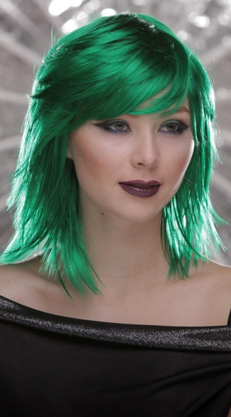 Emerald Rocker Layers Wig - Emerald