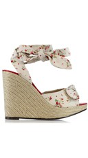 Strawberry And Polka Dot Daisy Wedge - White