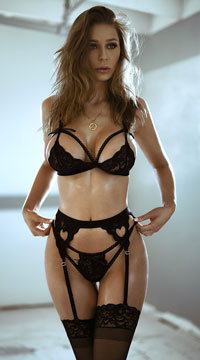 Lacy Romance Bra Set - Black