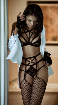 Submissive Strappy Lace Bralette Set - Black